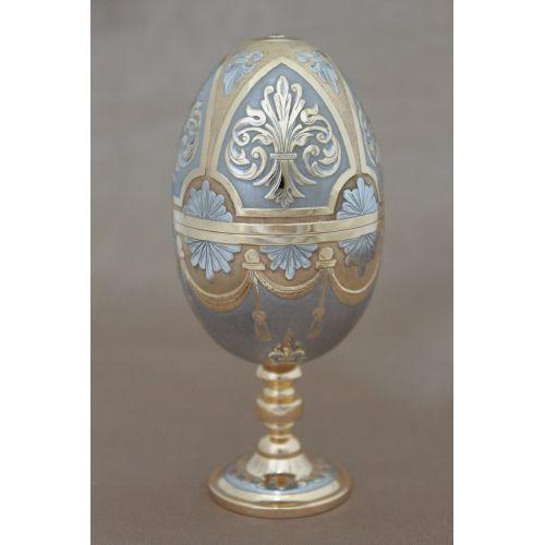 Яйцо-рюмка «Княжна Татьяна»
