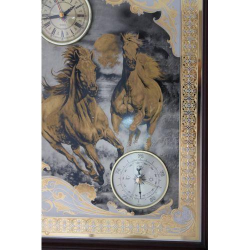 Панно (серия животные) «Летящие кони»