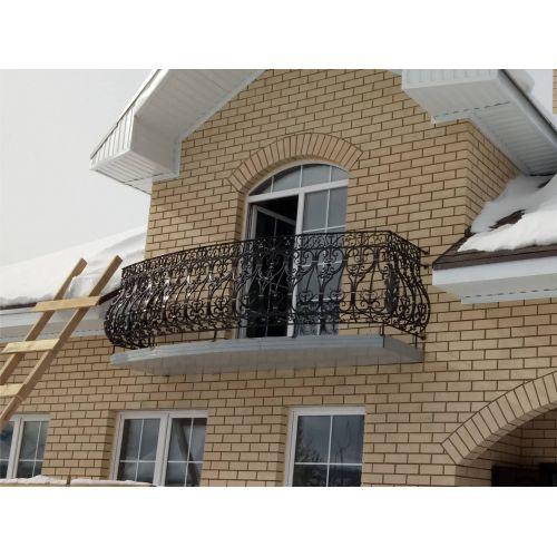 Балкон с кованым ограждением (3)