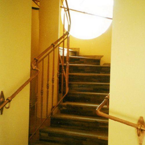 Внутренние лестничные кованые перила - 08.