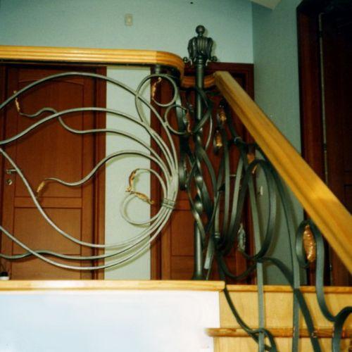 Внутренние лестничные кованые перила - 10.