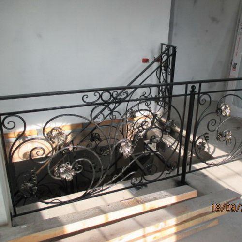 Внутренние лестничные кованые перила - 22.
