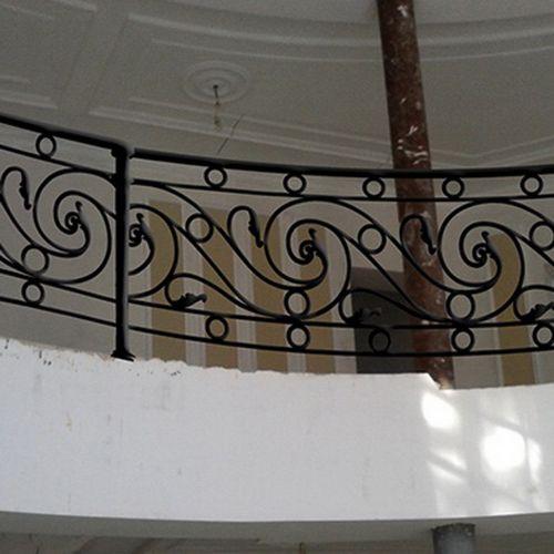 Внутренние лестничные кованые перила - 37.