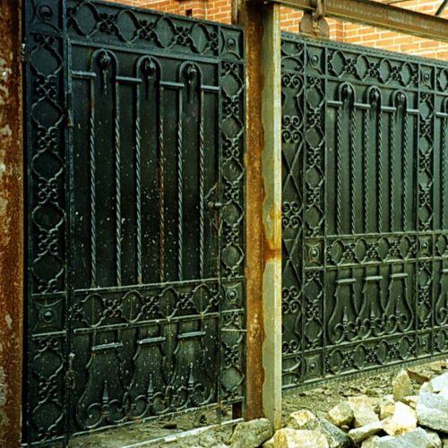 Кованые ворота и калитка - 90.