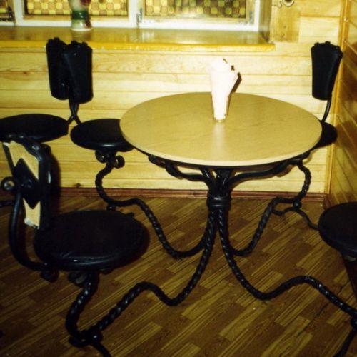 Кованый стол и стулья - 07.