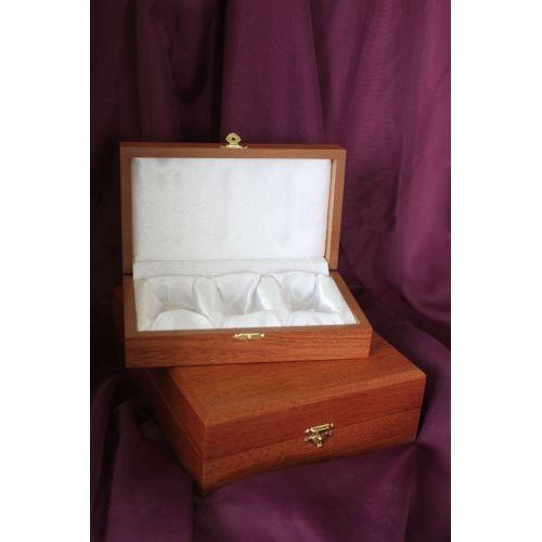 Коробка подарочная под рюмки